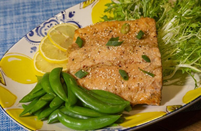 Fare With A Flair: Grilled salmon super summer supper